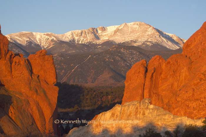 Garden of the Gods, Pikes Peak, Gateway Rocks, Colorado Spri photo